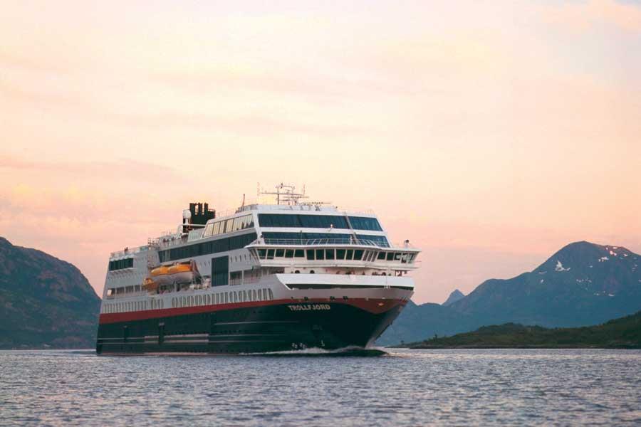 Sfeerimpressie 2021/22 12-Daagse Hurtigruten Noorderlicht reis Bergen - Kirkenes - Bergen