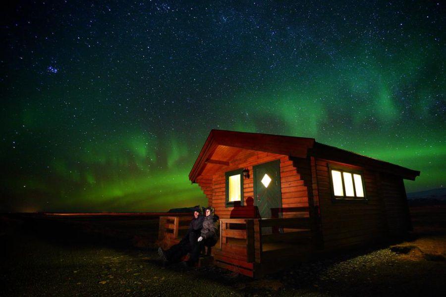 Deze 7 cottages zijn rustig gelegen, vlakbij vik en hebben uitzicht op de dyrholaey vogelkaap en de ...