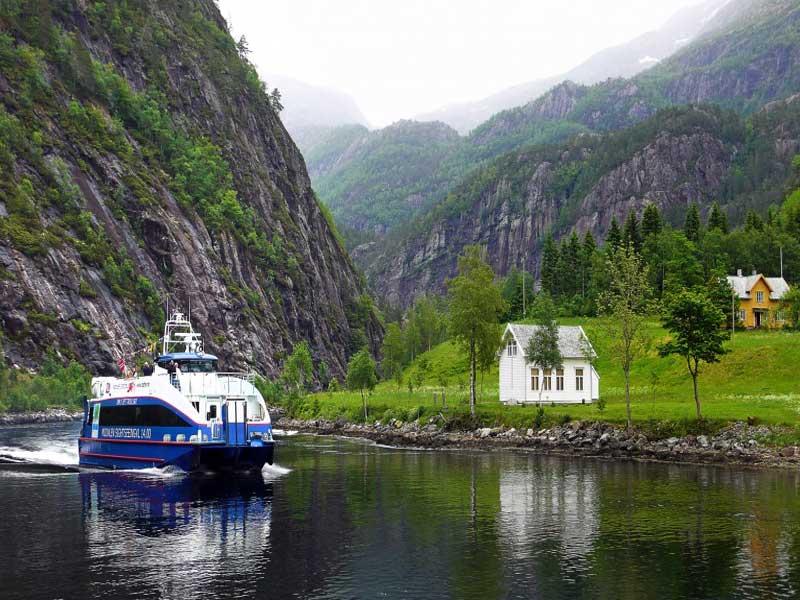 Fjord cruise Bergen Mostraumen