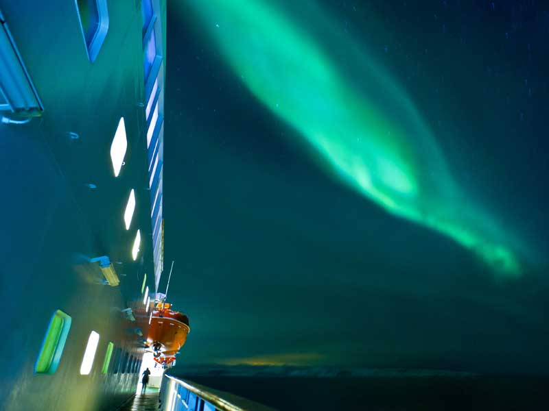 NOHURTKB18_19_Noorwegen_2018_19__6_Daagse_Hurtigruten_Noorderlichtreis_Kirkenes___Bergen_1 Noorderlichtreizen