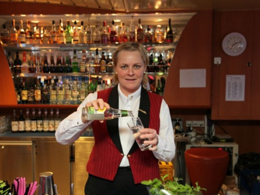 Hurtigruten 2017 bar aan boord BBI Travel